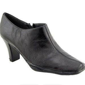 Aerosoles Cinchuation Black zipup heeled bootie